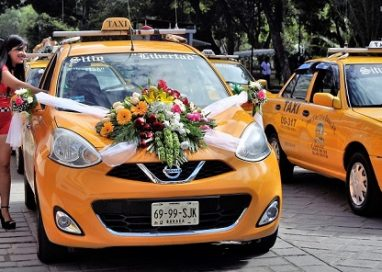 Colorido y camaradería en el día del taxista oaxaqueño